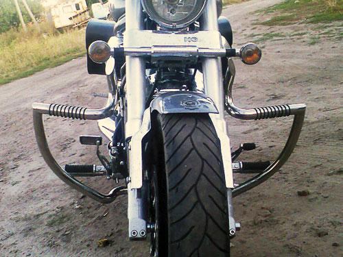 Engine Crash Bar Guard  with built in Highway Pegs for Hyosung Aquila gv650 (2006year)