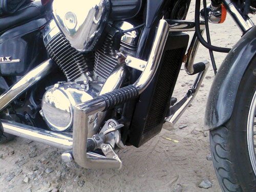 Engine Crash Bar Guard  with built in Highway Pegs for Honda Steed 400 VSE