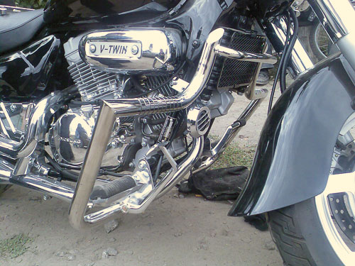Engine Crash Bar Guard  with built in Highway Pegs for Hyosung Aquila gv250