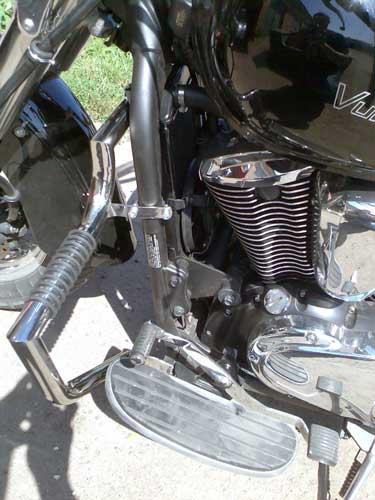 Engine Crash Bar Guard  with built in Highway Pegs for Kawasaki Vulcan VN900 (2005-2009year)