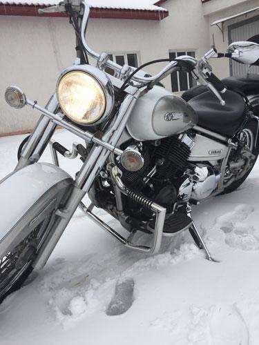 Защитные дуги с подставками для ног на мотоцикл Yamaha Drag Star XVS 400, 650 А